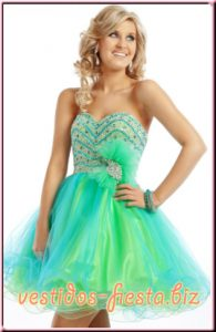 15 imágenes de vestidos de fiesta para gorditas con brillo (14)