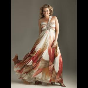 13 Hermosos vestidos de fiesta en talles XL (14)