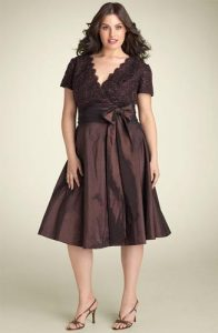 11 Bellos vestidos de fiesta para mujeres con panza (4)