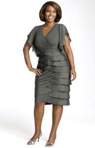 11 Bellos vestidos de fiesta para mujeres con panza (5)