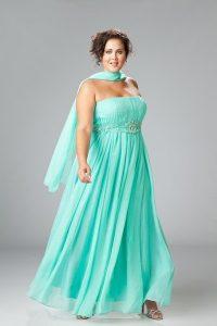 10 Hermosos vestidos de gala para gorditas bajitas (9)