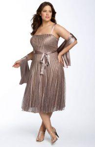 11 Modelos de vestidos de fiesta para mujeres gorditas y bajitas (4)